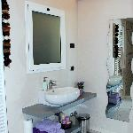 bagno camera lilla villa luna