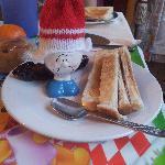 Fun boiled egg character for Breakfast!