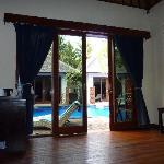 Accès piscine depuis villa