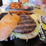 Kanga Burger, yum