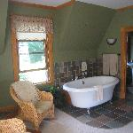 Fab jacuzzi tub and cute bathroom