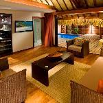 Garden Pool Suite, Living Room