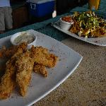 Yummy fish fingers and nachos at wet bar!