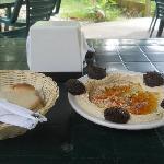 Hummus falafel...Yammi