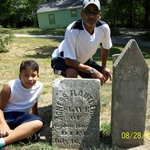 Marked slave grave - very rare!