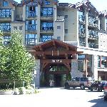 Crystal Lodge, Ric's Grill