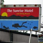 Sunrise Motel sign on 101