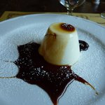 panna cotta with caramel topping