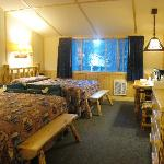 The western cabin room with 2Q