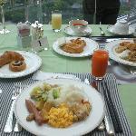 ホテル最上階で食べた朝食(別料金)