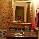 bathroom in heidi's room