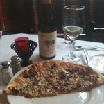 super yummy peach & apricot coypus pizza and some wine for a great midday meal!!!!