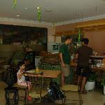 D'Borneo : dining cum cafeteria