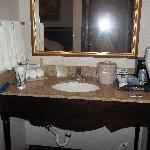 faux marble sink area