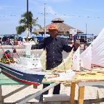 Artesanías en el Malecón de Gral. Villamil