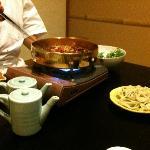 料理長の調理(甲州牛のすき焼き)