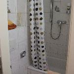 Room 402 bathroom