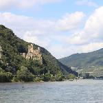 Beautiful but short Rhine cruise from Rudesheim to Assmannhausen