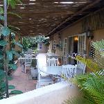 La terrasse pour le petit-déjeuner