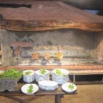 La zona per cuocere i tipici porcetti allo spiedo
