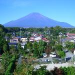 窓から見える富士山(From a window Mount Fuji)