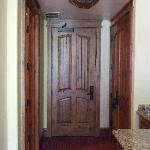 Mountain view room - entrance door
