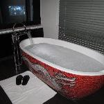 Buddha Bar Tub & TV