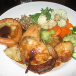 Tolcarne Inn, Newlyn, Cornwall - roast chicken dinner special - YUM!