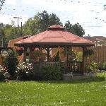 Portage House Motel gazebo