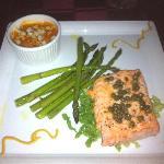 Brazilian Salmon & Carrots/Asparagus