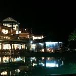 albergo by night