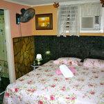 Doppelzimmer, ,  Badzimmer angeschlossen. Handtuecher vor Ort. Kuehlschrank, Aircondition