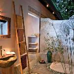Cili Emas Oceanside Resort Tejakula, Bali - Badezimmer - Bathroomm