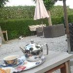 outdoor lounge. part of the wonderful garden