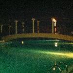 Ponte sulla prima piscina