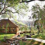 Nungu Game Lodge Lapa with Rim-Flow Pool