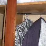 armoire sentant le vieux