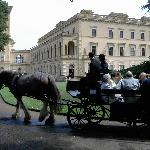 Horse drawn carriage front of Osborne House