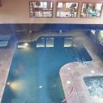 beautiful pool & Jacuzzi!