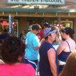 Photo de Camp Richardson Ice Cream Store