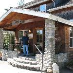 Entrance to Camano Island Inn
