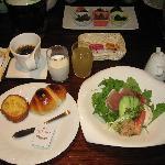 朝食は和食、洋食が選べます(洋食の一部、パンはおかわり可)