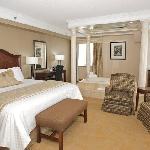 Monte Carlo Inn & Suites Downtown Markham Foto