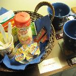 Customized refreshment basket
