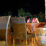 i tavoli all'esterno