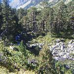 GR10 path to Lac de Gaube
