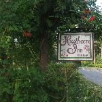 Hawthorne Inn sign