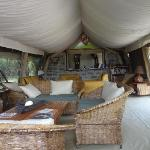 JK Mara Camp Lounge & Bar