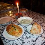 Quiche aux épinards, salade fraicheur et pain au levain
