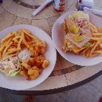 Lunch at Footprints beach side Bar and Grill